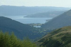 vista delle colline e del lago scozzese