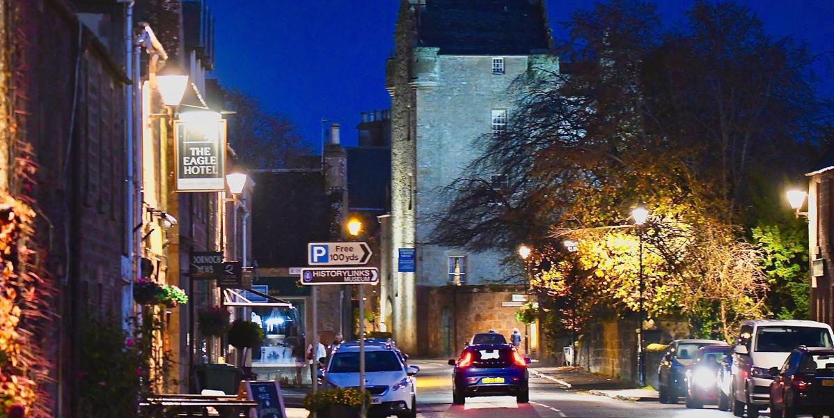Dornoch High Street la nuit