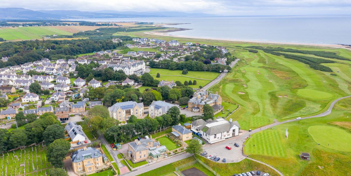 Links house hotel dornoch et royal dornoch golf club prise de vue aérienne