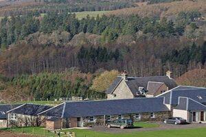 Ferienhäuser in ländlicher Landschaft