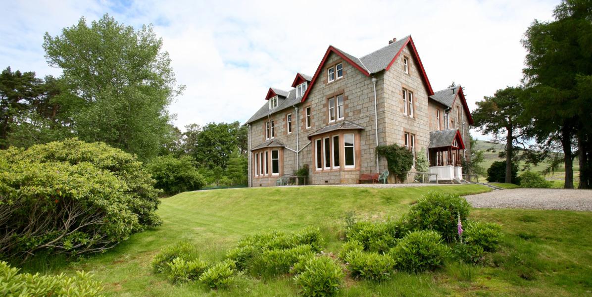 Scottish highland lodge with garden