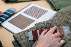 muestras e hilos de tweed