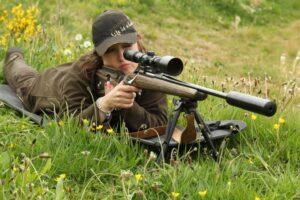 woman rifle shooting