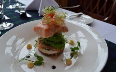 Recept för viltkött och fisk - Varm sallad av Nith Salmon, Friars Carse Country House Hotel, Auldgirth, Dumfries