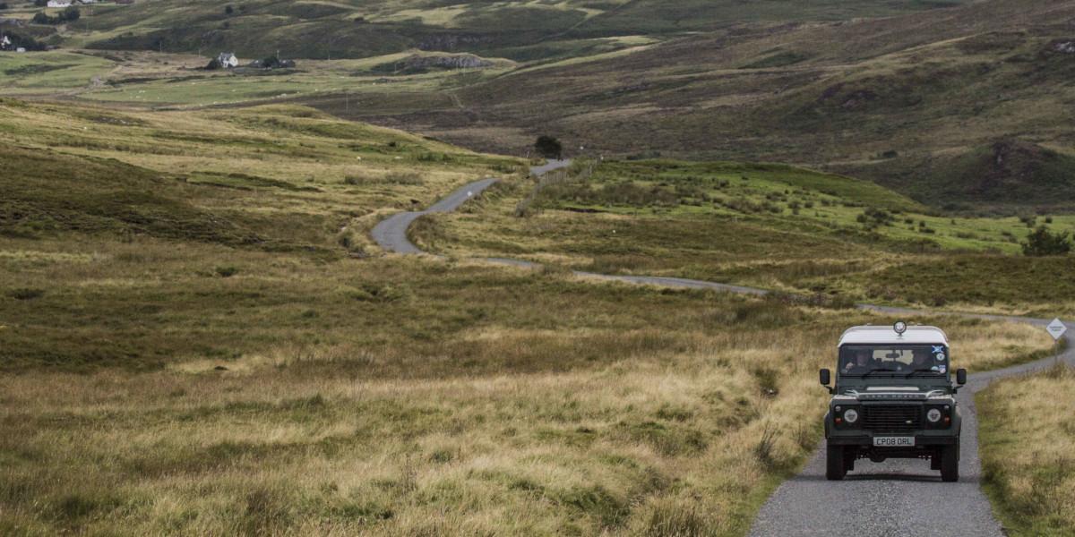 Landrover en paisaje