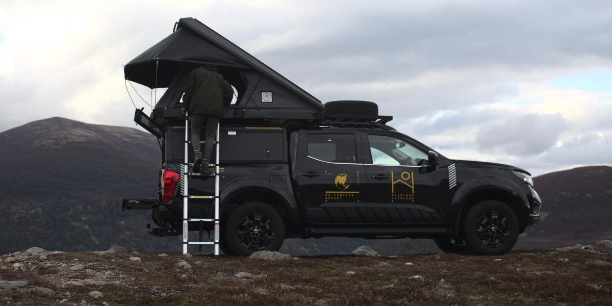 4x4 avec tente sur le toit