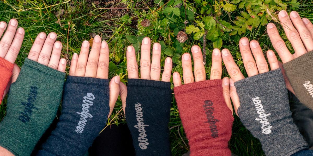 hands wearing wrist gaiters
